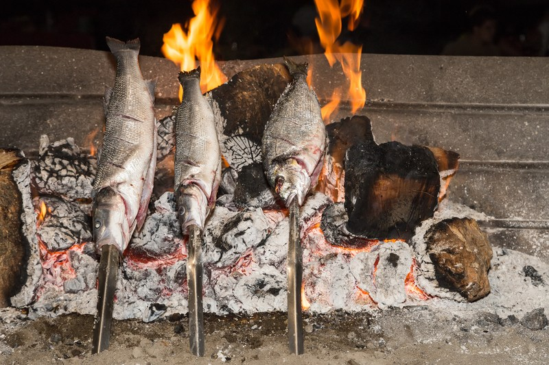 how to cook fish on a stick die hard survivor