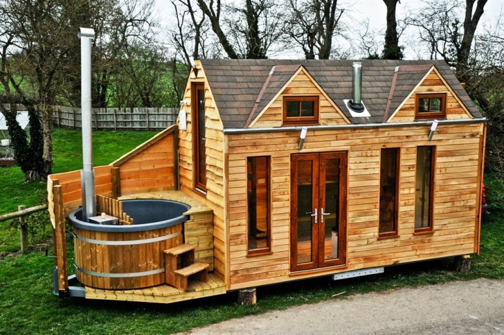5 amazing tiny homes for preppers would you live in one. Black Bedroom Furniture Sets. Home Design Ideas