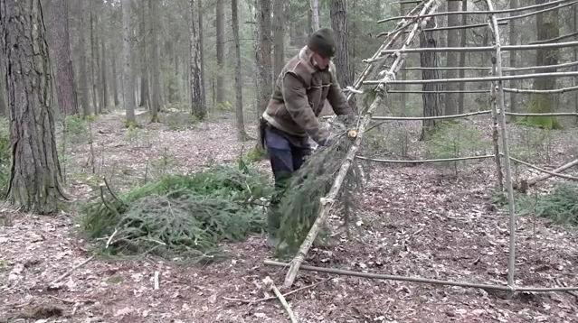 Shtf Shelter: (VIDEO) How To Build A Stone Age Hut As A SHTF Shelter