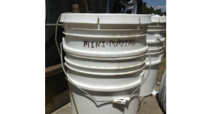 diy how to make a 5 gallon bucket washing machine. Black Bedroom Furniture Sets. Home Design Ideas