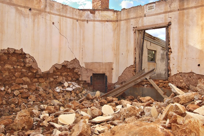 rubble-of-a-falling-building