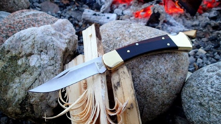 buck-hunting-knives