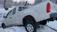 truck-stuck-in-the-snow