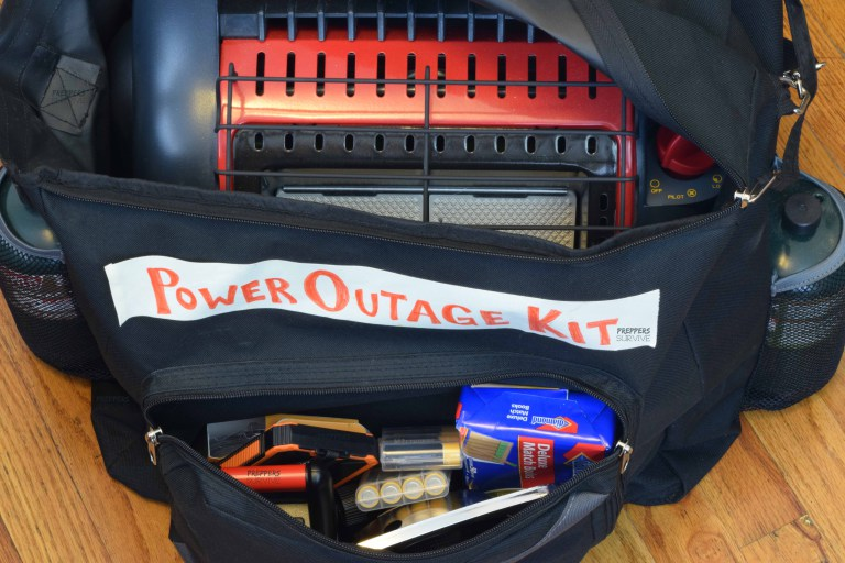 Power-Outage-Kit-Bag