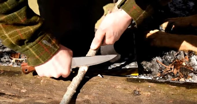 bushcraft knife skills