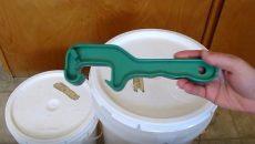 bucket opener